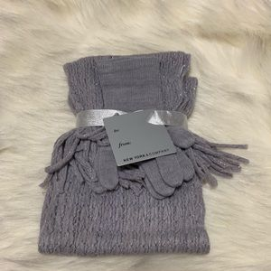 New York & company scarf and glove set
